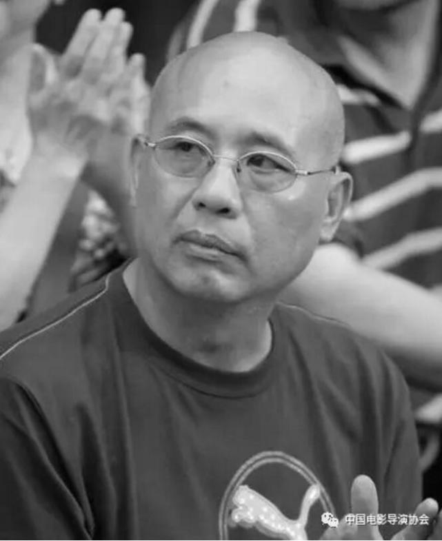2016年12月31日 著名导演何群因病不幸去世